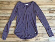 Women's Juniors HOLLISTER Burgundy & White Stripe Casual Tee V-Neck Shirt Medium