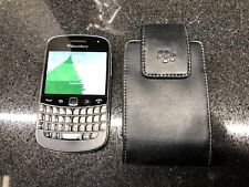 BlackBerry Bold 9900 - 8GB - (TELUS) Smartphone-LEATHER HOLSTER