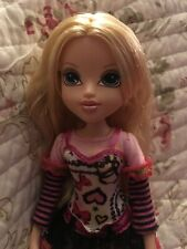 Moxie Girlz Girls Avery Doll  MGA long blonde hair