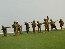1/32 SCALE / 54MM WWI FRENCH INFANTRY WITH ADRIAN HELMETS SET
