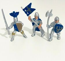 Safari Ltd. Medieval Knights in Armour with Blue Flag Mini Figures Lot of 3