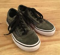 VANS Off The Wall Kids Sz 1 Old Skool Skate Shoes Green Lace Up Suede Canvas