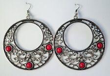 Grande Tono Argento Orecchini Pendenti con profondo rosso perline circa 7cm A GANCI