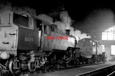 PHOTO  BR STANDARD CLASS 4 TANK LOCO NO 80139 AT BASINGSTOKE 1960'S