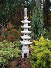 Riesige massive Pagode japanische Steinlaterne Steingarten Steinguss frostfest