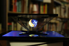 GEEK GIFT HOLOGRAM PYRAMID OFFICE TOY 3D FUTURISTIC GADGET ALL AGES COOL GIFT