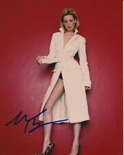 Elizabeth Banks Signed Autographed 8x10 Photograph