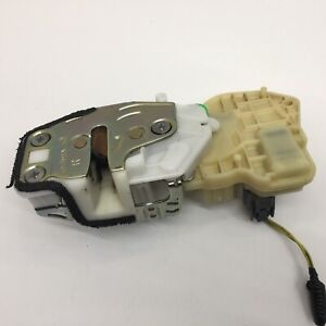 2002 - 2006 Honda CR-V Tailgate Lock Trunk Latch CRV Actuator 74800-S9A-J01