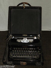 VINTAGE 1930-40S SMITH CORONA STANDARD  TYPEWRITER IN CARRYING CASE