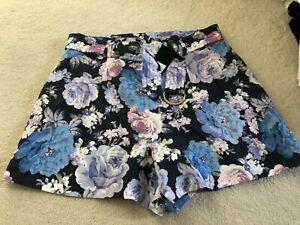 Portmans Ladies Shorts - Size 14 - 5+ items free postage (AU only)