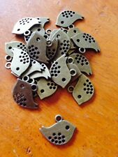 Antique Bronze Little Bird Charms / Pendants x 20