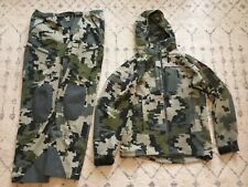 kuiu Yukon Rain Jacket and Pants Hunting Large Set Verde