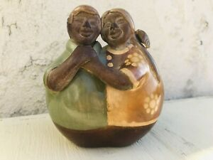 Signed Chulucanas Peruvian Pottery Happy Couple Figurine Hug Love Peru