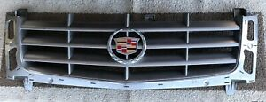 2002 - 2006 CADILLAC ESCALADE FRONT  GRILLE GRILL /OEM, PRE-OWNED FROM FACTORY