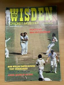 WISDEN CRICKET MONTHLY MAGAZINE (OCT 1982) - PAKISTAN BREAKTHROUGH (P2)