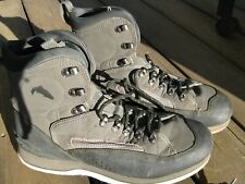 Simms wading boots, Felt bottom Size 11,green, gently used clean boots