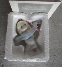 1998 Precious Moments Ornament Angel Peace on Earth in Box