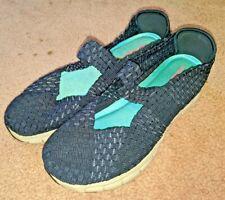 Sketchers Womans Memory foam slip on shoes size 9.5 Navy