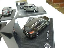 NISSAN  SUV X TRAIL IN BROWNIE GREY NOREV 1/43 On Plateau