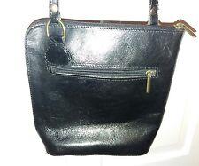 Cavalier Cuero Messenger Bag