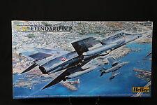 YP005 HELLER 1/48 maquette avion 80412 Etendard IV P