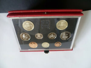 Royal BUNC Mint Proof Coin Set 1989 Bill Claim Of Rights £2 Coin Red Lether Case