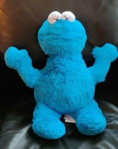 Kaws x sesame street Uniqlo Toys Cookie monster