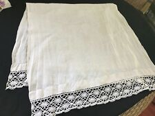 """VINTAGE OFF WHITE LINEN MONOGRAMMED """"D"""" MANTLE SCARF WITH HAND CROCHET TRIM"""