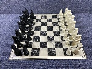 Vintage 1959 E.S. Lowe Renaissance Chess Set w/ 2 Boards / Weighted Felt Bottoms