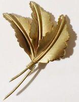 broche bijou vintage 3 feuilles finement strié relief couleur or * 3584