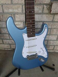 Electric Guitar G&L Legacy
