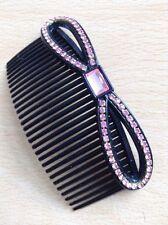 A Beautiful Peigne à cheveux avec rose strass émaillé noeud caractéristique