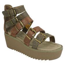 Calzado de mujer sandalias con plataforma en piel