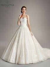 Robe de mariée Pronuptia T40 modèle Kennedy reflets rose poudré volume et traine