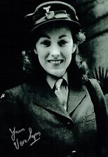 Vera LYNN SIGNED Autograph 12x8 Photo 2 AFTAL COA The Forces Sweetheart