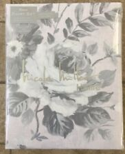 Nicole Miller Grey Watercolor Floral King Duvet Cover W / Shams