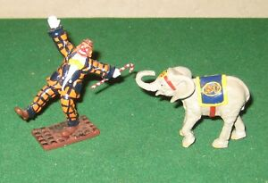Britains 08674 Circus Series Parade Clown and Baby Elephant
