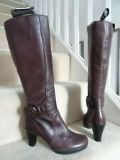 CLARKS BROWN BURGUNDY KNEE HIGH BOOTS HEELS SIZE SIZE 5 / 38 IN VERY GOOD CONDIT