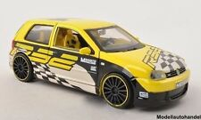 VW GOLF IV r32 TUNING RACING Custom Shop GIALLO/DECORO 2003 1:24 Maisto