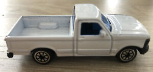 White Ford F Series Pick Up Truck WELLY NO. 99712. Diecast Toy Car - Vintage