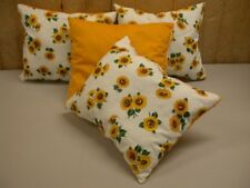 (1) Decorative Pillow ~ Daisy Gold  ~ 11 X 13  **NEW**