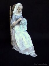 Lladro Insular Embroideress #4865 Lady Sewing Embroidery/Needelpoint Figurine