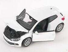 Livraison rapide VOLKSWAGEN VW SCIROCCO Blanc/White Welly Modèle Auto 1:24 Nouveau neuf dans sa boîte