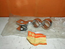 SUZUKI GS550 GS650 FUSSRASTE HALTER 43510-34500 GS 550 650 (331)