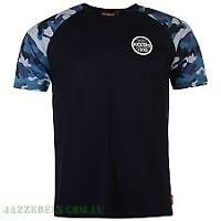 Kickers Mens T-Shirt Navy and Camo Sleeve Size Medium *4