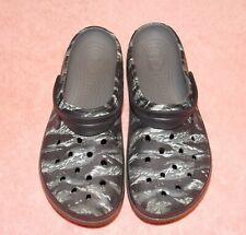 Crocs Mens Graphic Print Slides w/ Strap Gray Camo Mens 10 / Womans12