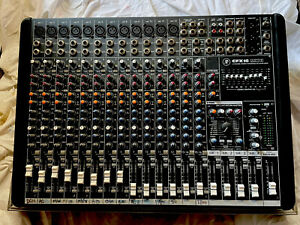 Mackie CFX16 Mk2 - 16 channel mixing desk with FX in Hardcase