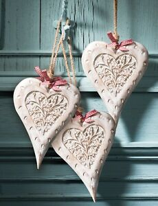 Wooden hanging heart wall art, hand carved in India white finish 20cm wide NEW