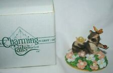 Charming Tails, Silvestri, figurine, Surrounded by Friends, Mib