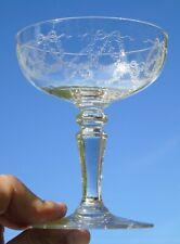 Saint Louis - Coupe à champagne en cristal gravé, modèle Stella Catalogue 1930